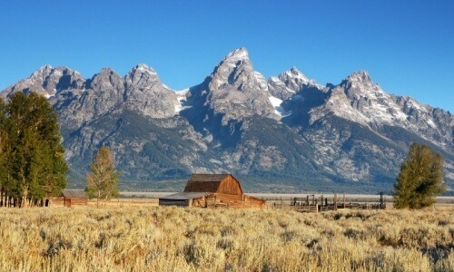morman barn and tetons