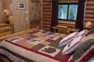 Gooswing Ranch Pioneer rental cabin
