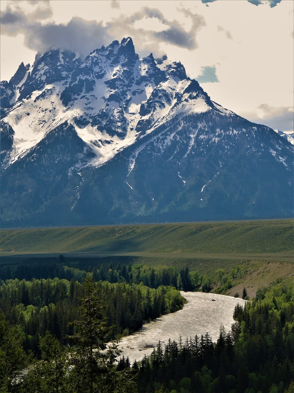 One of the main reasons to explore Snake River is the stunning scenery!